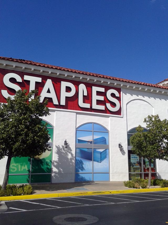 071013-staples