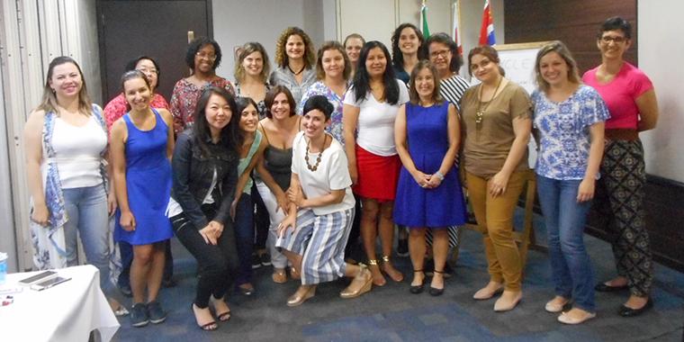 Ana, eu e nossas leitoras em um dos nossos workshops